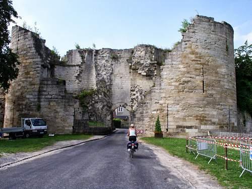 Click image for larger version.  Name:0891 Portal of Coucy le Chateau Auffrique.jpg Views:1 Size:161.6 KB ID:907872