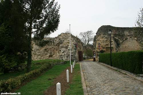 Click image for larger version.  Name:chateau-de-coucy-02_e.JPG Views:0 Size:200.9 KB ID:911915