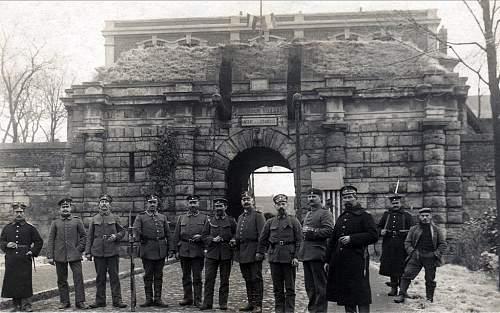 Click image for larger version.  Name:Citadelle de CambraiLandsturm Infanterie1.jpg Views:0 Size:159.8 KB ID:914293