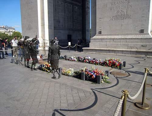 Click image for larger version.  Name:Arc de Triomphe de l'Etoile3.jpg Views:0 Size:153.9 KB ID:916612