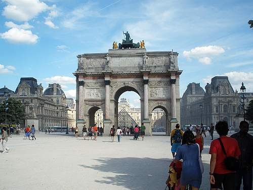 Click image for larger version.  Name:louvre1h.jpg Views:0 Size:209.9 KB ID:916618