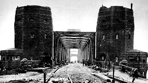 Click image for larger version.  Name:The-Ludendorff-Bridge-at-Remagen-Second-World-War-1945.jpg Views:0 Size:111.2 KB ID:916634