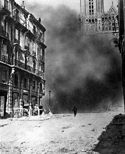 Click image for larger version.  Name:1917 Reims is bombarded.jpg Views:1 Size:121.1 KB ID:953340