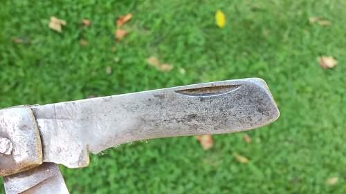 British Paratrooper Pocket Knife?