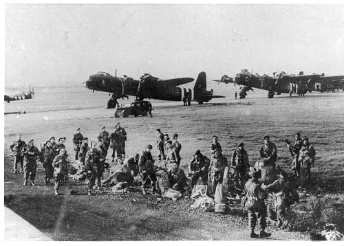 Click image for larger version.  Name:Fairford before take off for Arnhem.jpg Views:1664 Size:225.5 KB ID:451015