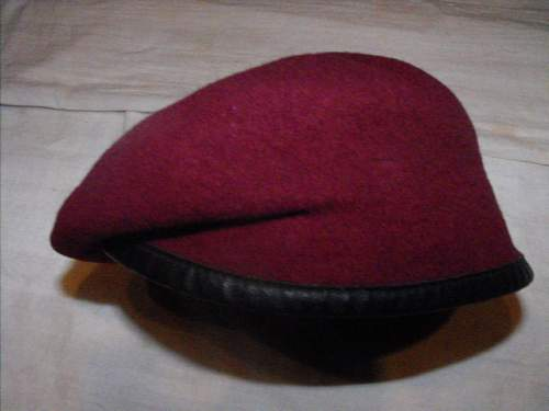 Para beret real or fake??????? Confused please help