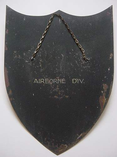 Click image for larger version.  Name:Airborne Division sheild 003.jpg Views:127 Size:243.5 KB ID:62550