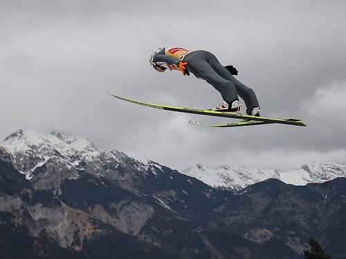 Click image for larger version.  Name:ski.jpg Views:57 Size:115.6 KB ID:789233