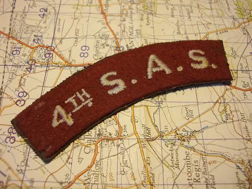 4th SAS shoulder flash.