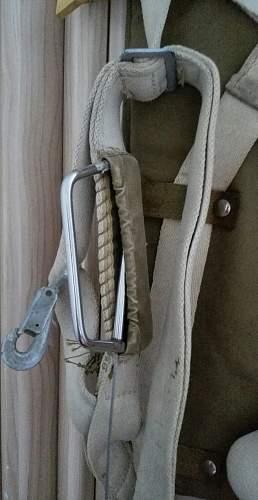 WW2 U.S. Airborne or Pilot's parachute harness?