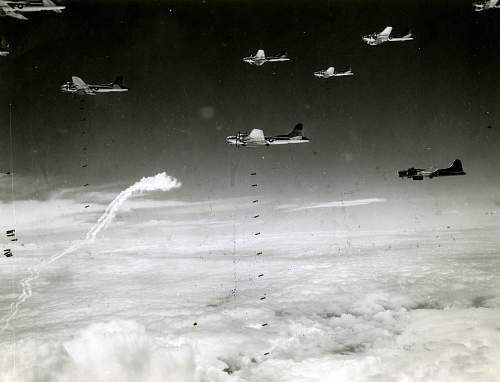 Click image for larger version.  Name:Strike B-17s.jpg Views:479 Size:253.4 KB ID:244938
