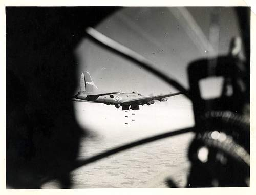 Click image for larger version.  Name:Bombs Away.jpg Views:497 Size:127.8 KB ID:244940