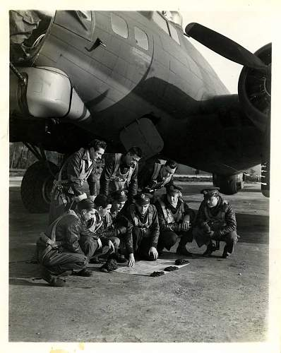 Click image for larger version.  Name:Briefing B-17G.jpg Views:291 Size:199.9 KB ID:244959