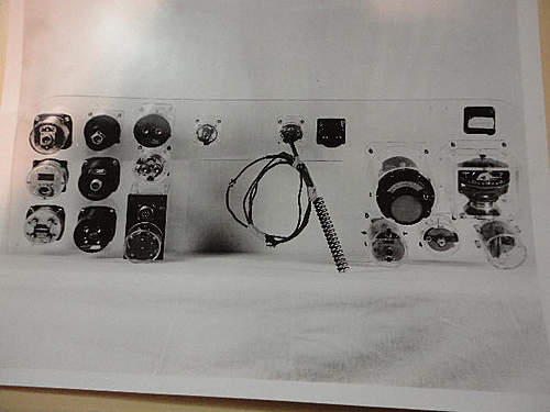 US Aircraft Gauge Panel Photo