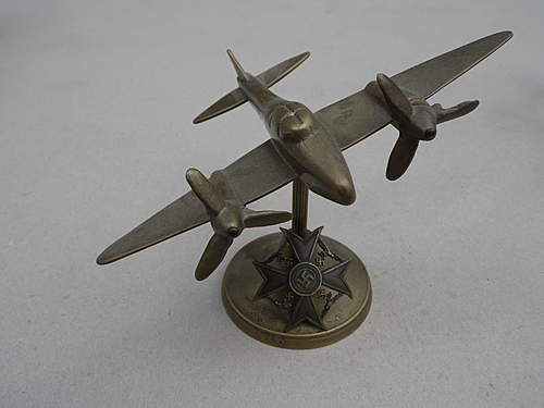 identifying these periode metal cast models