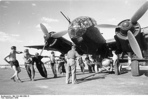 Click image for larger version.  Name:Bundesarchiv_Bild_101I-496-3500-15,_Flugzeug_Junkers_Ju_188.jpg Views:253 Size:52.6 KB ID:427953