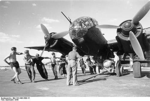 Click image for larger version.  Name:Bundesarchiv_Bild_101I-496-3500-15,_Flugzeug_Junkers_Ju_188.jpg Views:300 Size:52.6 KB ID:427953
