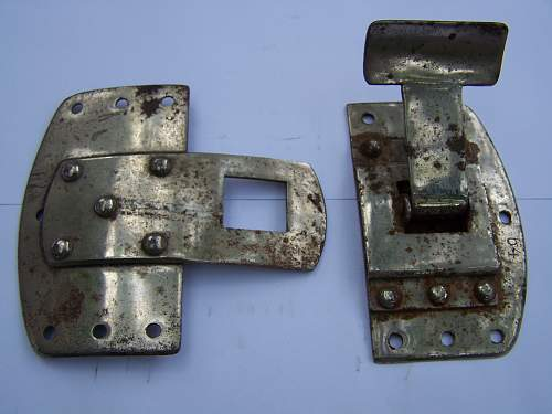 Click image for larger version.  Name:Seatbelt buckle, Obverse.jpg Views:68 Size:301.5 KB ID:580448