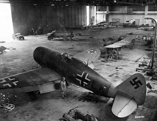 Click image for larger version.  Name:Captured_P-47_Thunderbolt_T9+LK_from_Zirkus_Rosarius_Goettingen_Germany.jpg Views:7746 Size:204.0 KB ID:625313