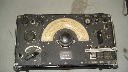 Nice unaltered Lancaster or Halifax 1155 Radio