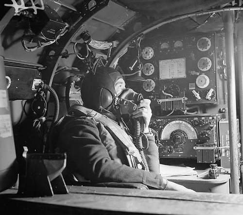 Click image for larger version.  Name:Lancaster_wireless_operator_WWII_IWM_CH_8790.jpg Views:1009 Size:292.4 KB ID:692550