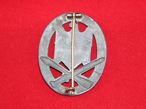 Click image for larger version.  Name:General Assault Badge by Assmann2.jpg Views:300 Size:78.1 KB ID:152124