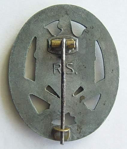 Click image for larger version.  Name:General assualt badge 002.jpg Views:375 Size:134.9 KB ID:30396