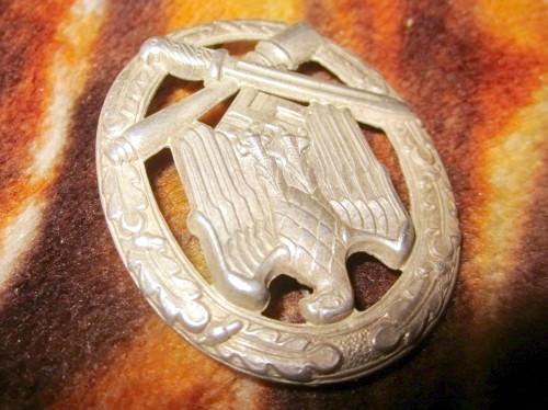 Name:  german-ww2-general-assault-badge-3rd-reich-a2b1.jpg Views: 187 Size:  66.1 KB