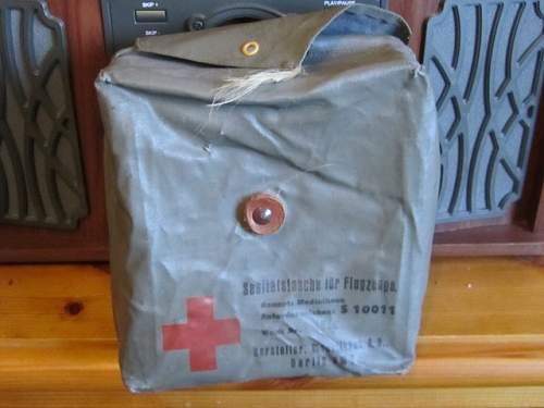 Click image for larger version.  Name:First aid pouches 005 (640x480).jpg Views:0 Size:171.1 KB ID:1003480