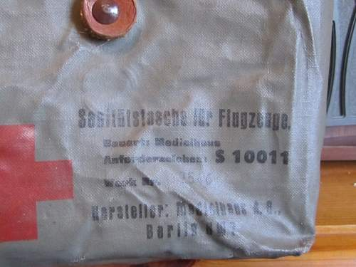 Click image for larger version.  Name:First aid pouches 006 (640x480).jpg Views:0 Size:205.8 KB ID:1003482