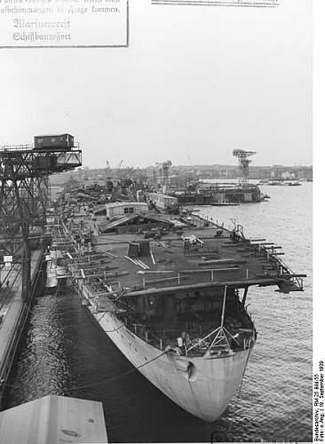 438px-Bundesarchiv_RM_25_Bild-55%252C_Flugzeugtr%25C3%25A4ger_%2522Graf_Zeppelin%2522%252C_Bau.jpg