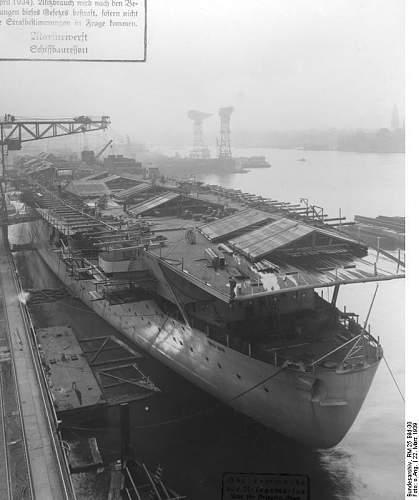 Bundesarchiv_RM_25_Bild-30%252C_Flugzeugtr%25C3%25A4ger_%2522Graf_Zeppelin%2522%252C_Bau.jpg
