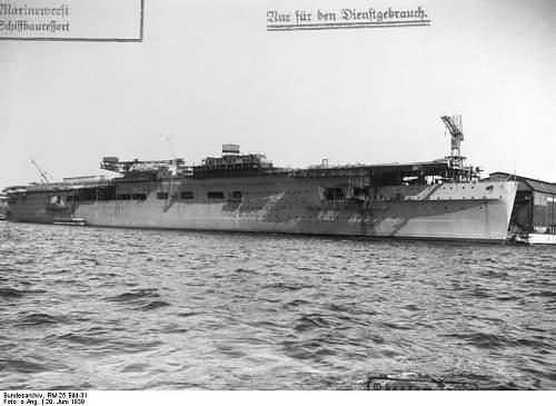 Bundesarchiv_RM_25_Bild-31%252C_Flugzeugtr%25C3%25A4ger_%2522Graf_Zeppelin%2522%252C_Bau.jpg