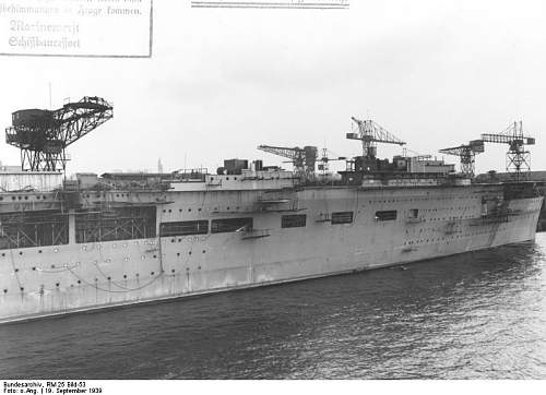 Bundesarchiv_RM_25_Bild-53%252C_Flugzeugtr%25C3%25A4ger_%2522Graf_Zeppelin%2522%252C_Bau.jpg
