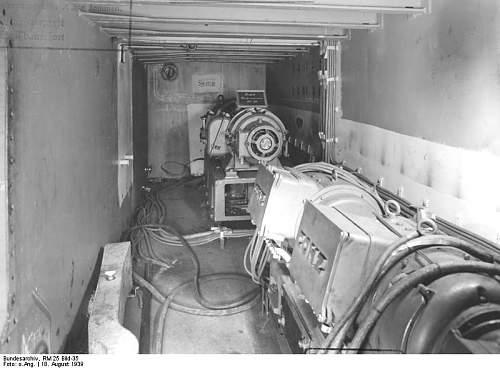 Bundesarchiv_RM_25_Bild-35%252C_Flugzeugtr%25C3%25A4ger_%2522Graf_Zeppelin%2522%252C_Bau.jpg