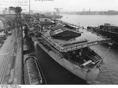 Bundesarchiv_RM_25_Bild-58%252C_Flugzeugtr%25C3%25A4ger_%2522Graf_Zeppelin%2522%252C_Bau.jpg
