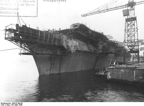 Bundesarchiv_RM_25_Bild-59%252C_Flugzeugtr%25C3%25A4ger_%2522Graf_Zeppelin%2522%252C_Bau.jpg