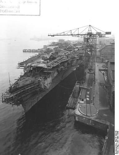 Bundesarchiv_RM_25_Bild-60%252C_Flugzeugtr%25C3%25A4ger_%2522Graf_Zeppelin%2522%252C_Bau.jpg