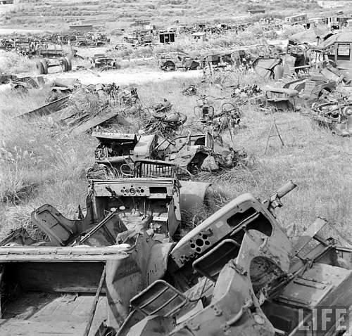 jeep cimetary in Okinawa 1949-2.jpg