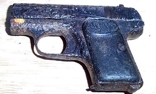 ID on relic pistol?
