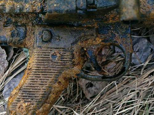MG 42 found in the positions of 5 Kp of Rgt Danmark
