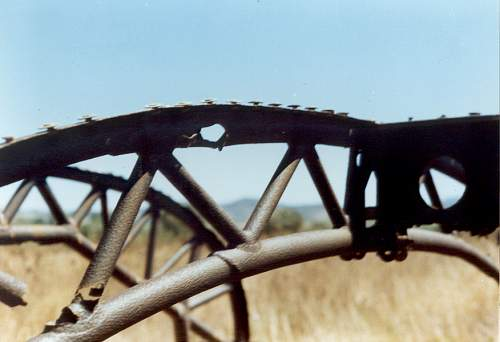 Click image for larger version.  Name:Straffing 20mm cannon shot hole on fuselage structure frame.jpg Views:7 Size:40.2 KB ID:464604