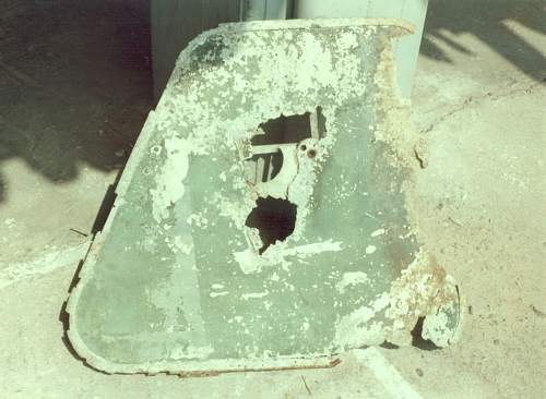 Click image for larger version.  Name:Fuselage side hatch cover, belonging possible to  SM81.jpg Views:3 Size:200.7 KB ID:466689