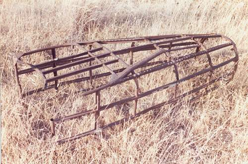 Click image for larger version.  Name:The Bombardiers gondola structure as found in the fields.jpg Views:3 Size:168.2 KB ID:470966
