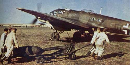 Click image for larger version.  Name:Re bombing He111.jpg Views:3 Size:37.1 KB ID:477923