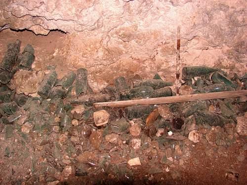 Click image for larger version.  Name:3 - 1000 Man Cave - Detritus of War DSC01118.jpg Views:6 Size:130.9 KB ID:527510