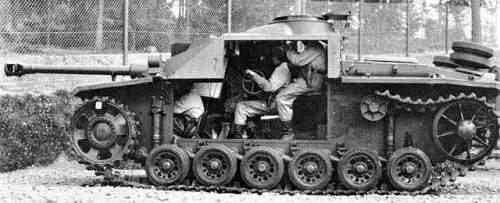 Tight quarters inside a StuG III. Interesting pic.
