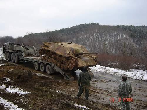 Bulgarian panzers  Jagdpanzer L 48 .jpg