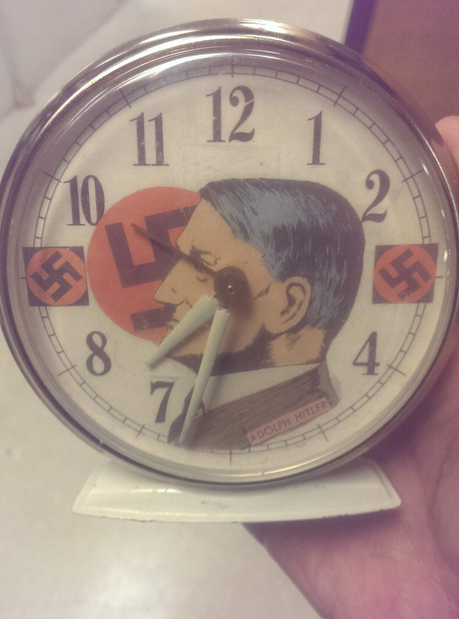 Sell Cell Phone >> Adolf Hitler Alarm Clock