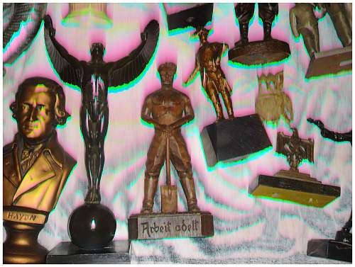 Estate w/ many german wwii statues + medals + other